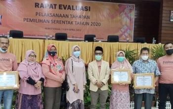 KPU Kota Payakumbuh Di Ganjar Tiga Penghargaan Dalam Pemilihan Serentak 2020
